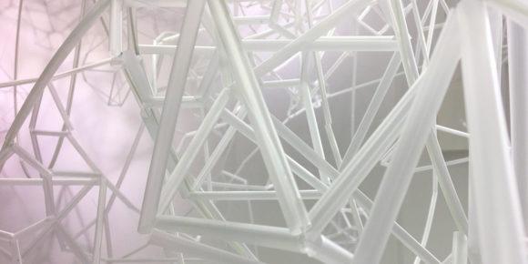 Zeit für Kunst - Strohhalme in der Struktur von Kristallen